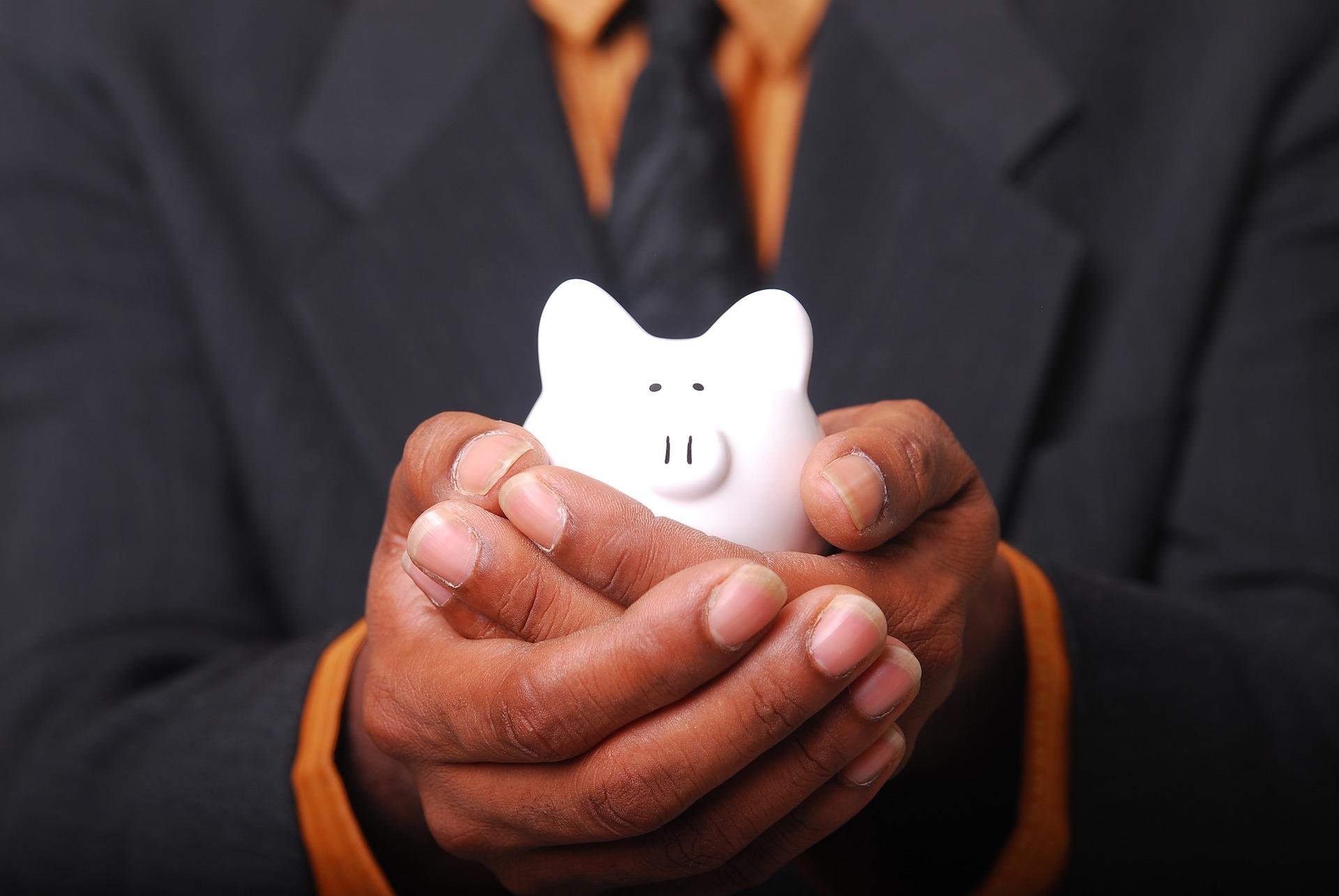 Hur kan man spara pengar i sin vardag?